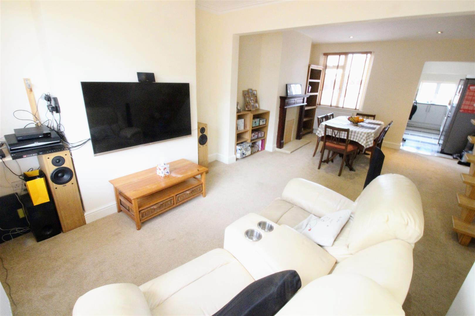 3 Bedrooms Terraced House for sale in Morris Street, Rodbourne, Swindon